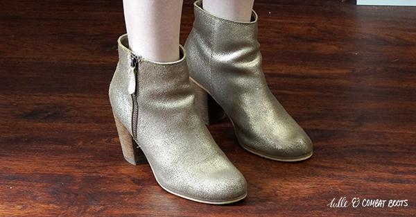 040820x4-bp-gold-boots