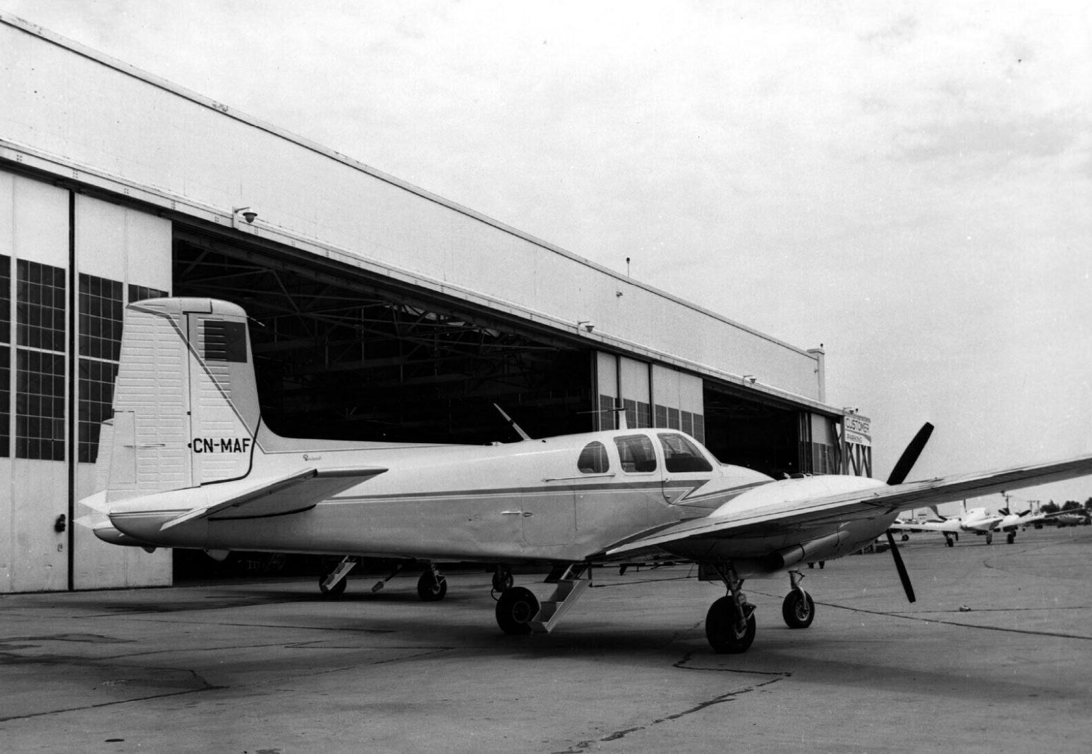 FRA: Photos anciens avions des FRA - Page 13 49762066897_af9a1b120f_o_d