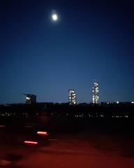 #nightshot #skyline #moon #motionblur