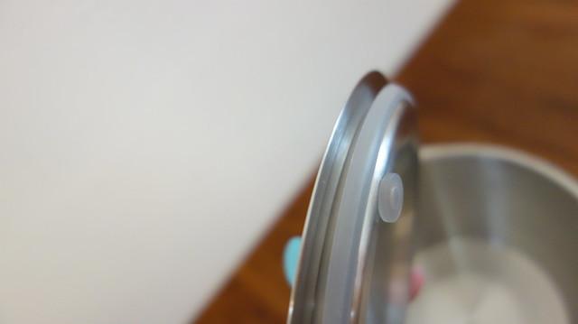 鍋蓋內側有矽膠條,是防溢關鍵@UCOM瑞康屋防溢提鍋