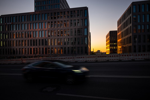 sunrise sonnenaufgang münchen munich morgen morning city car leica m10 35mm summilux