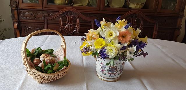 Linksmų ir jaukių Šventų Velykų!