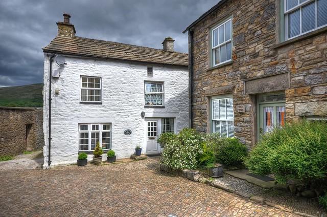 Late 17C cottages, Dent, Yorkshire Dales (Explored)