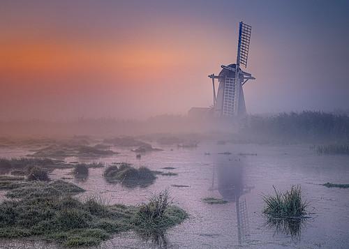 lowestoft england unitedkingdom windmill sunrise water glow grass wacomintuospro anthonywhitesphotography broads