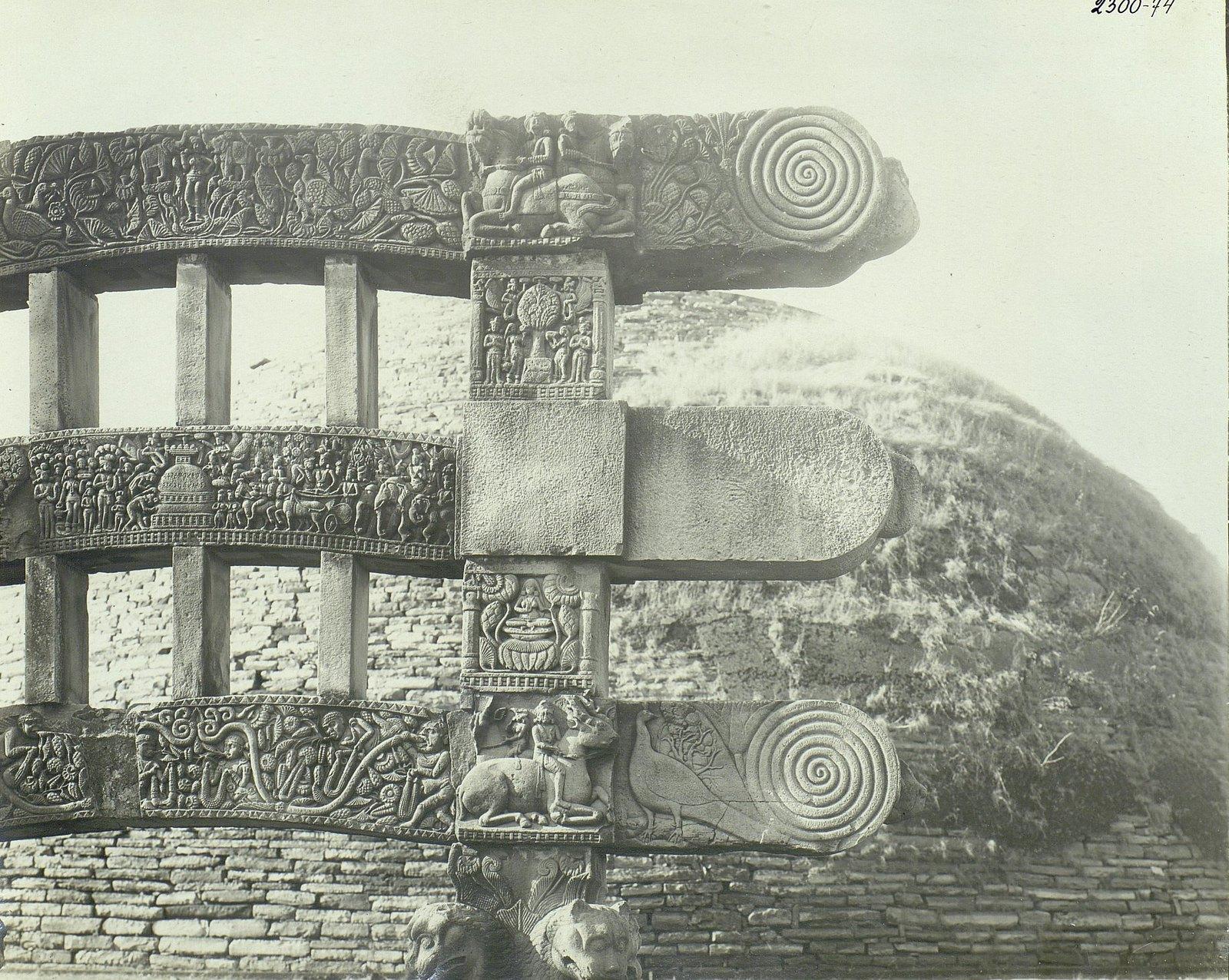 Буддийская ступа в Санчи (детали вторых ворот) (15)