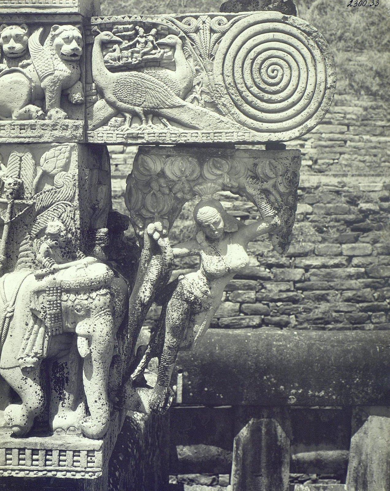 Буддийская ступа в Санчи (детали первых ворот) (13)