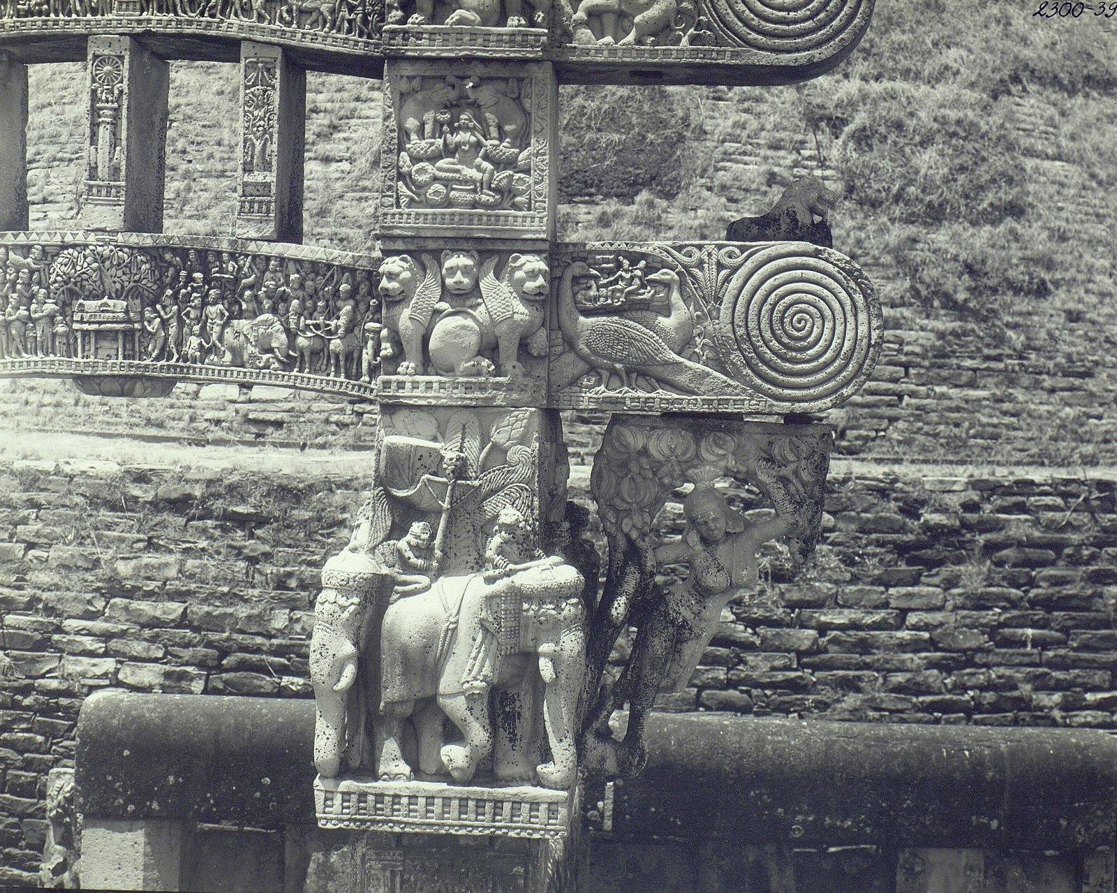 Буддийская ступа в Санчи (детали первых ворот) (10)