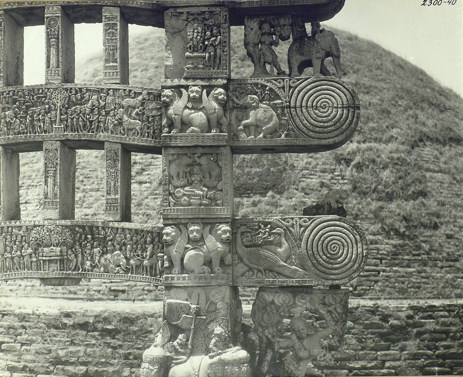 Буддийская ступа в Санчи (детали первых ворот) (9)