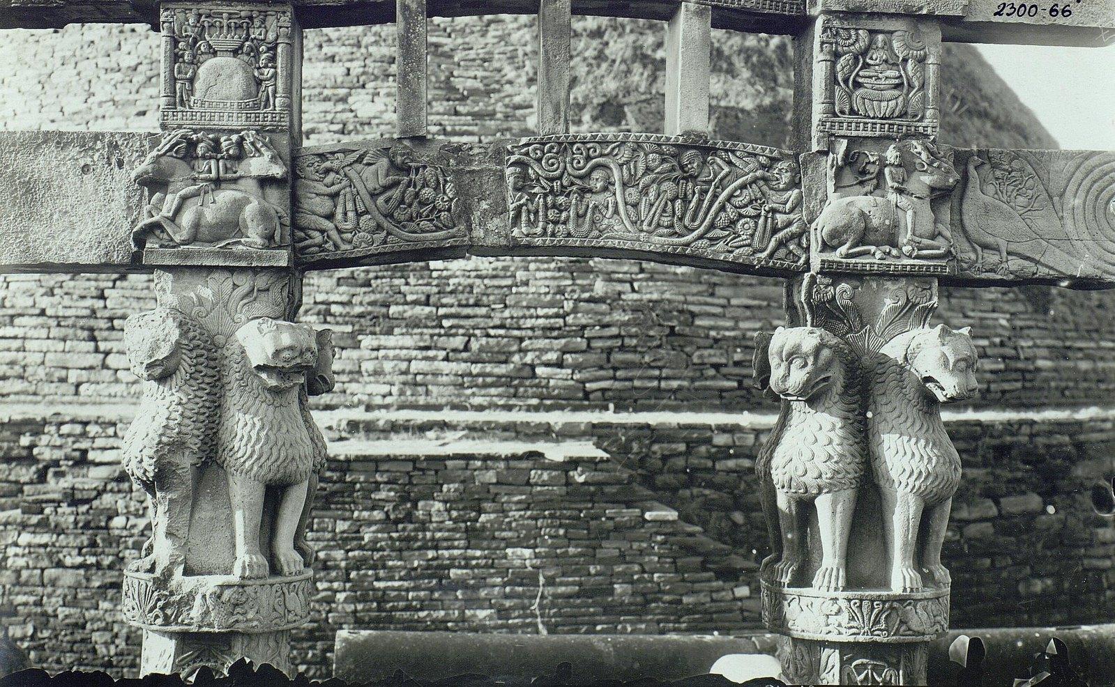 Буддийская ступа в Санчи (детали вторых ворот) (4)