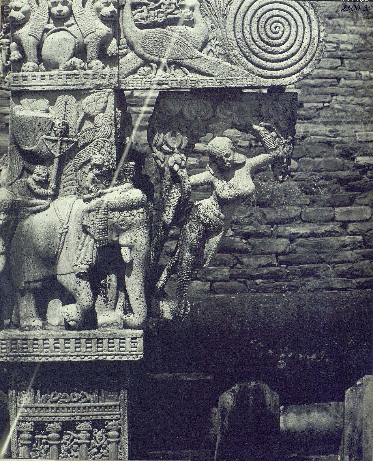Буддийская ступа в Санчи (детали первых ворот) (6)