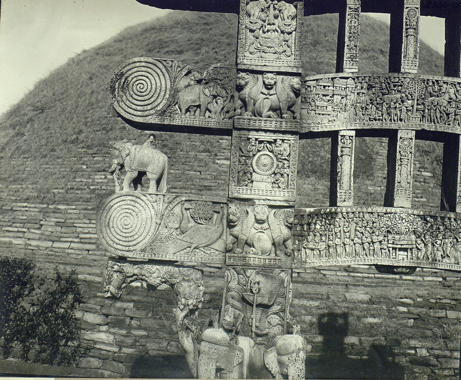 Буддийская ступа в Санчи (детали первых ворот) (5)