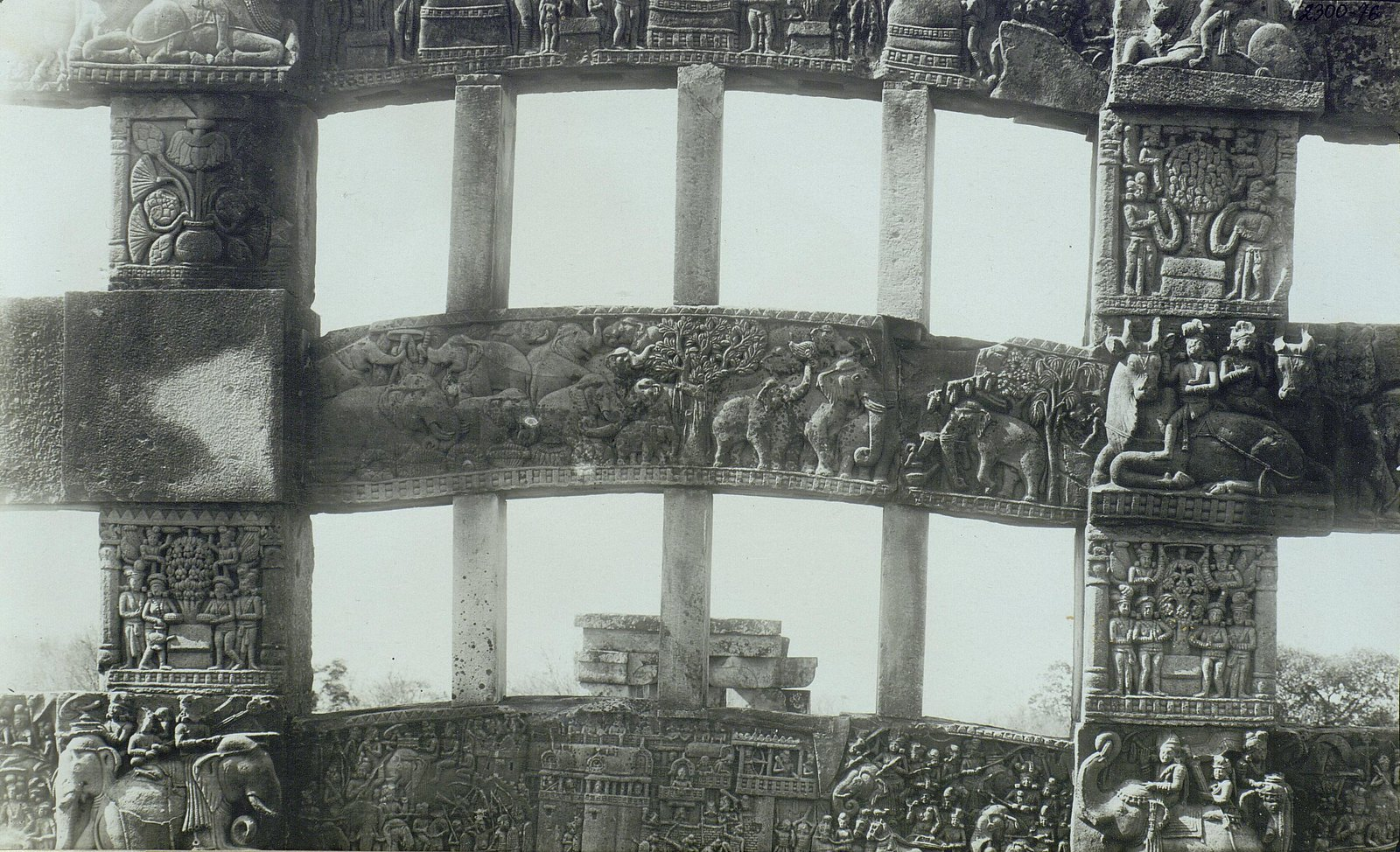 Буддийская ступа в Санчи (детали вторых ворот) (12)