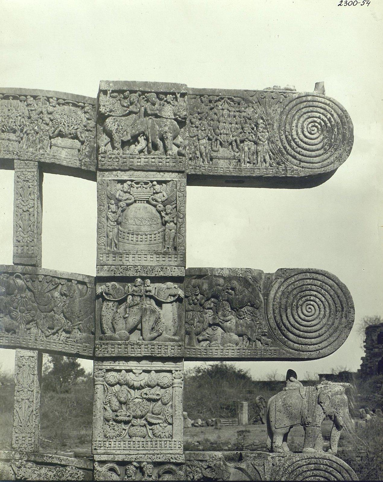 Буддийская ступа в Санчи (детали первых ворот) (4)