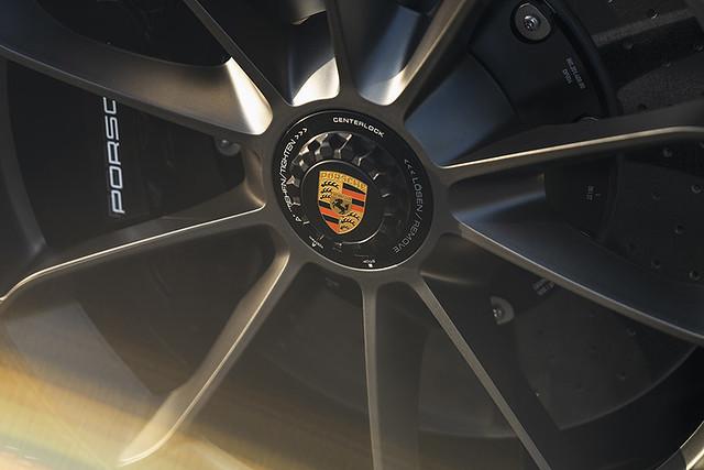 2019-Porsche-911-Speedster-_26