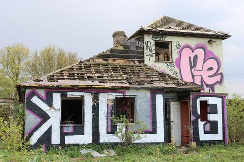 horsegroom derelict pub closedpubs closed royston hertfordshire england unitedkingdom uk graffiti trashed canoneos750d abandoned a505