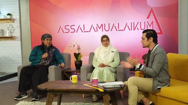 Daqmie sewaktu ditemubual tentang rancangan Munajat terbitan TV AlHijrah yang menyantuni artis nasyid tanahair