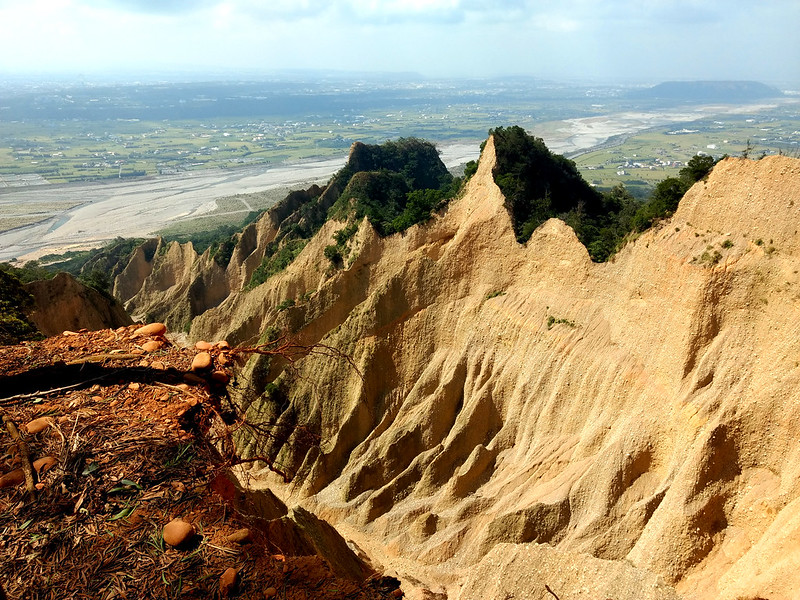 Mt. Huoyan 火焰山 in Maoli, but some part of the trail is fragile.