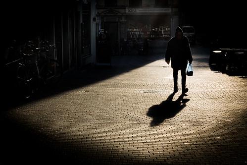streetphotography street sunset goldenhour urban urbanphotoghraphy people shadow silhouette