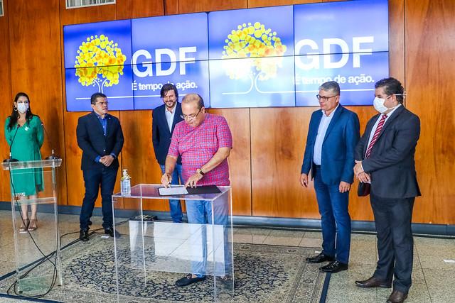 GDF assina ordem de serviço para a construção de sete novas UPAs