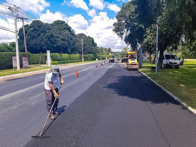 Estrada Parque Dom Bosco ganha recapeamento