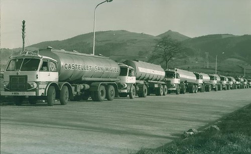 Filera camions Transports Castellet San Miguel