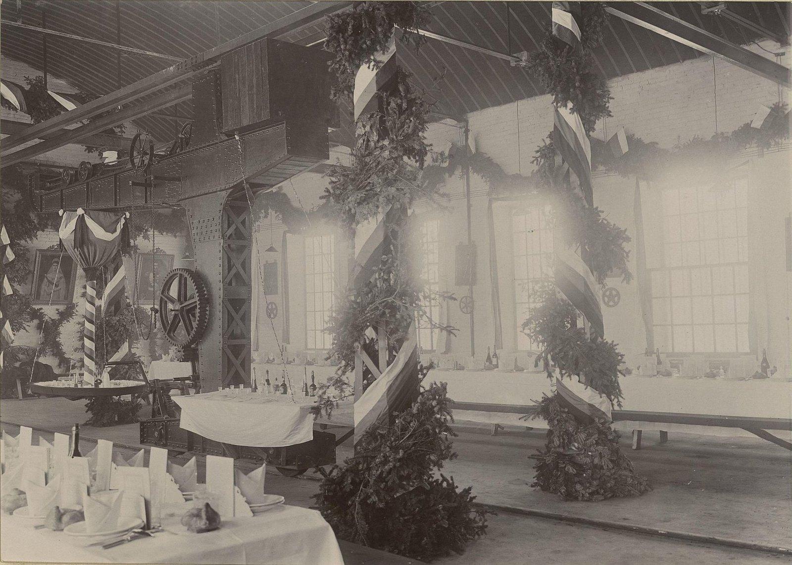 В одном из помещений Хабаровской окружной артиллерийской мастерской5