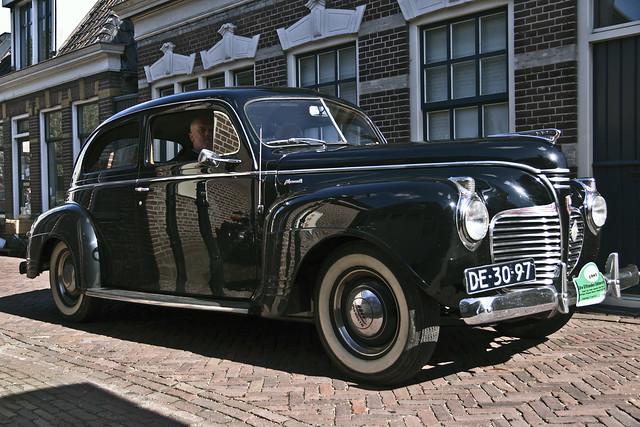 Plymouth DeLuxe Sedan 1941 (4055)