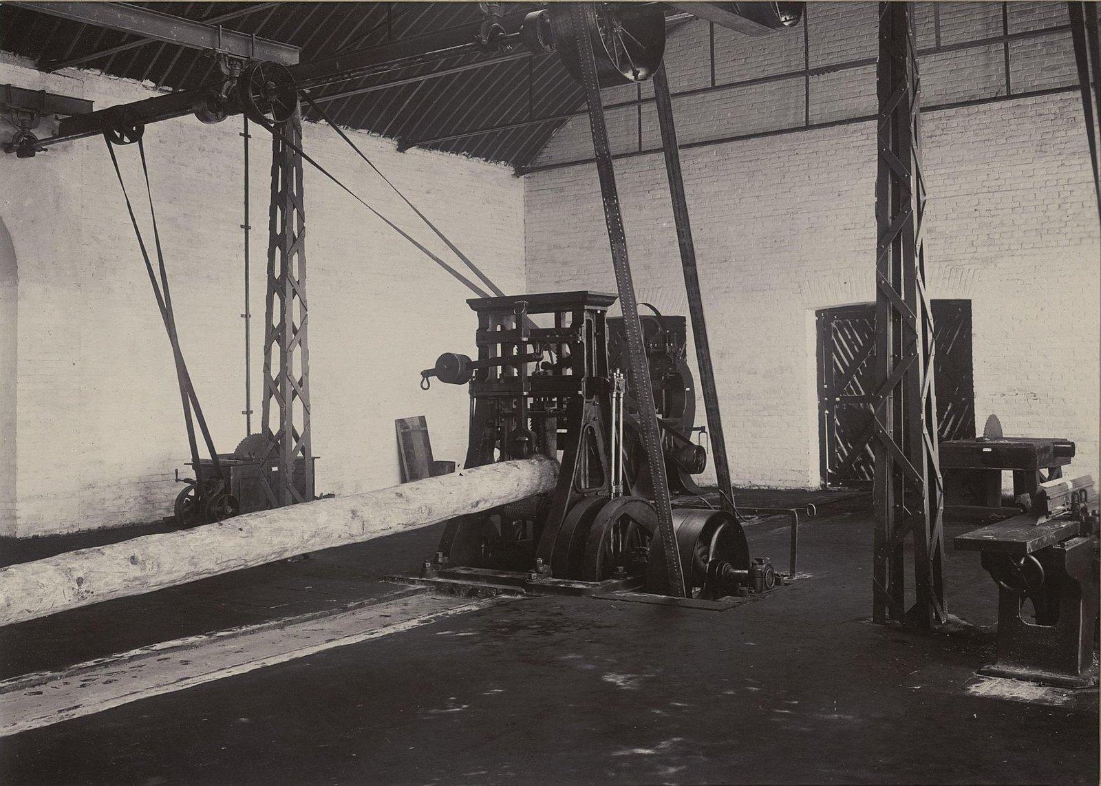 В одном из помещений Хабаровской окружной артиллерийской мастерской3