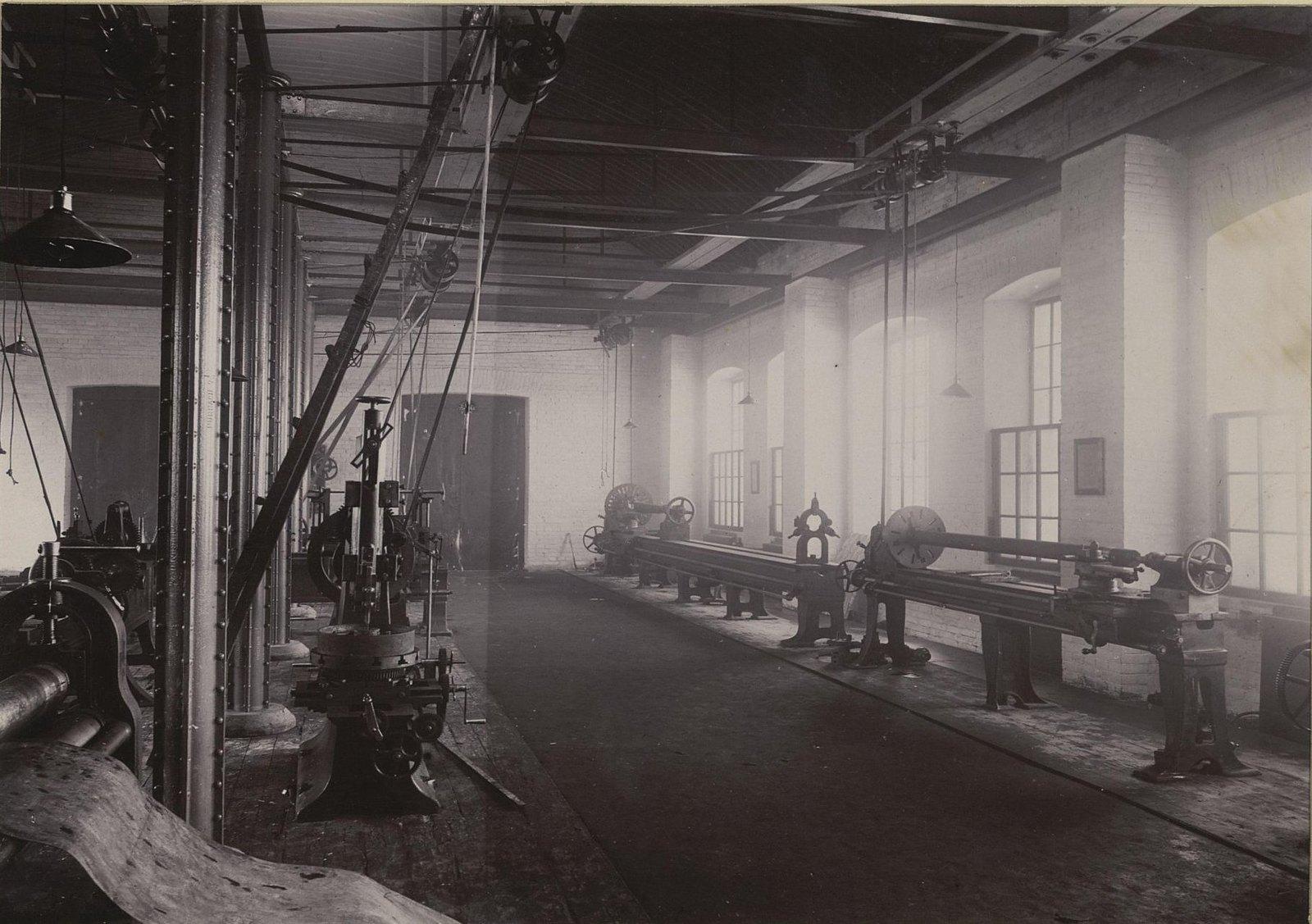 В одном из помещений Хабаровской окружной артиллерийской мастерской2 (2)