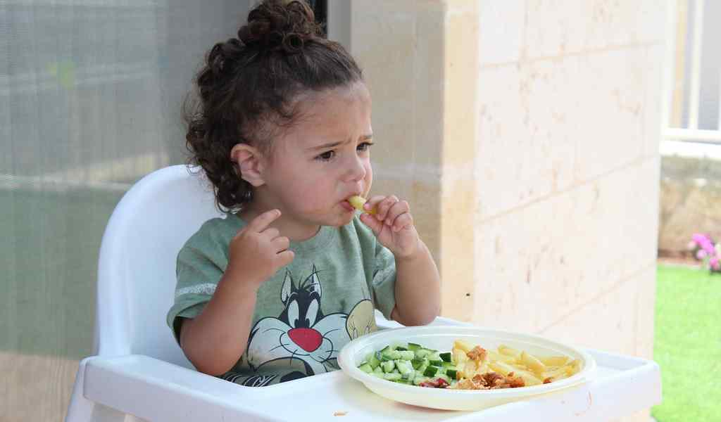 jeune-enfant-déteste-les-légumes