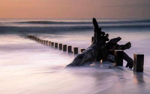 aberdeen aberdeenbeach landscape longexposure groyne water wave ocean outdoor outside sunrise sunset