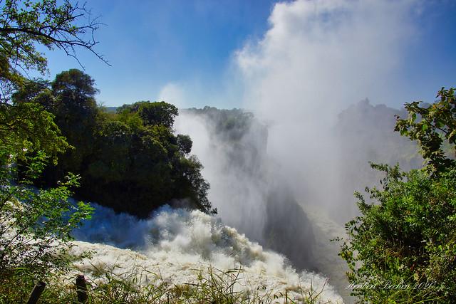 DSC05278 L4  Victoria Falls