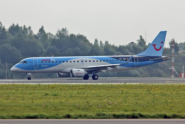 OO-JEB Embraer 190-100STD TUI Belgium Named Navigator BRU 21-09-13