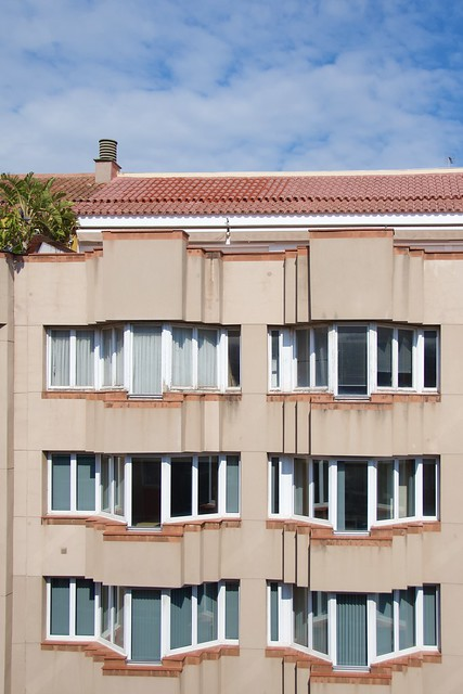 4) Confinament: Frontal o angle de càmera del davant del meu balcó. (A explore 14.4.2020 Nº 288).