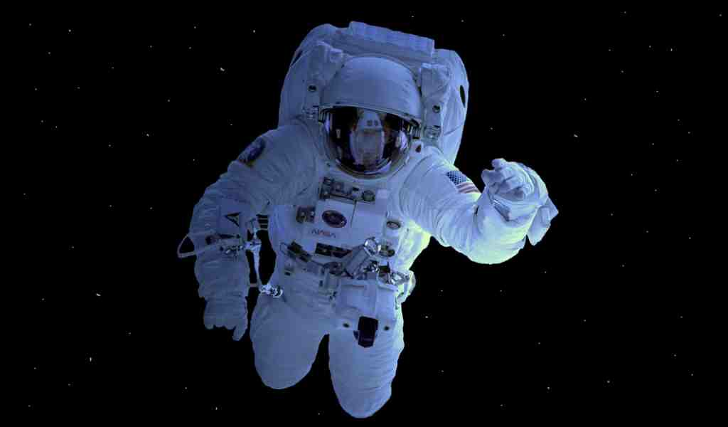 le-volume-du-cerveau-des-astronautes-augmente-durant-les-vols