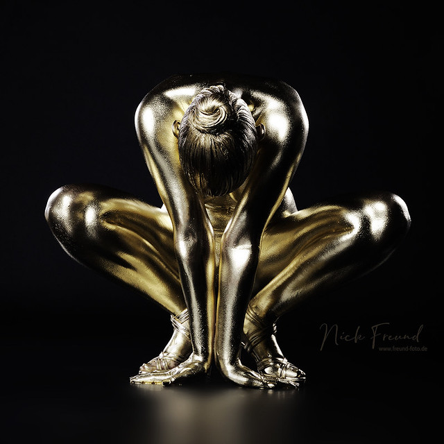 Erotik Bodypainting gold Fotoshooting in Nürnberg