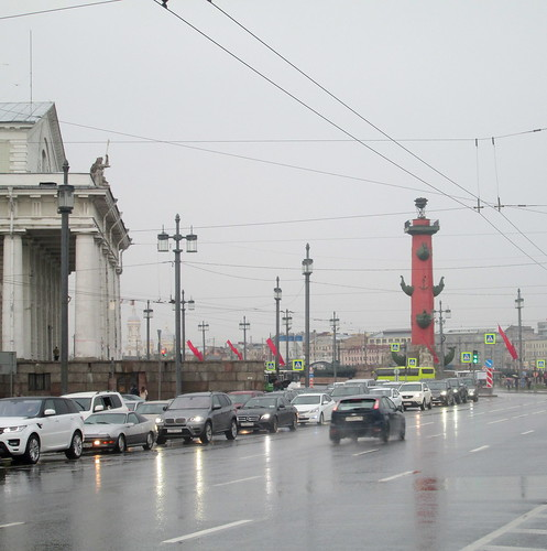 Traffic and Rostral Tower, St Petersburg