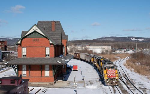 trains ithacacentralrailroad railroadphotography sayrepa nikon emdsd40m2 letthemknow