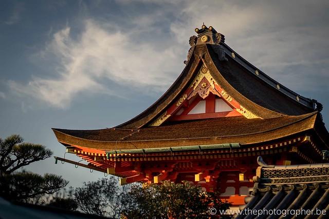 De laatste zonnestralen aan de tempel