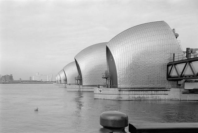 River Thames, Thames Barrier, Royal Victoria Dock, mills, Charlton, Greenwich 85-2h-32
