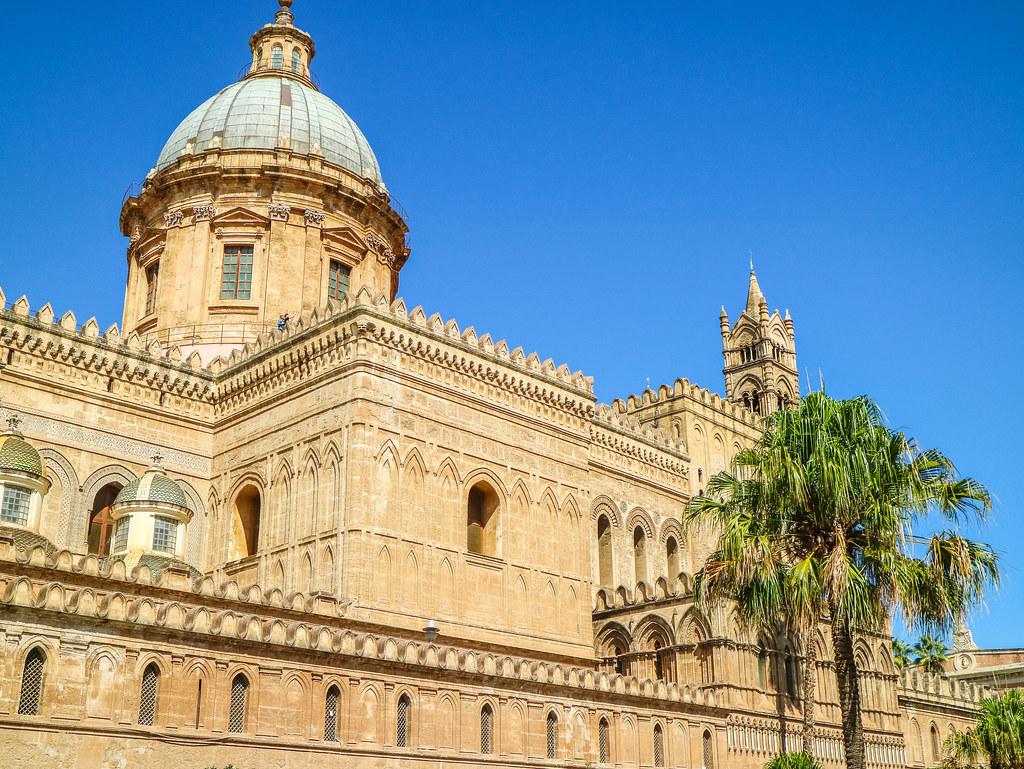 Detalle de la Catedral de Palermo en Sicilia