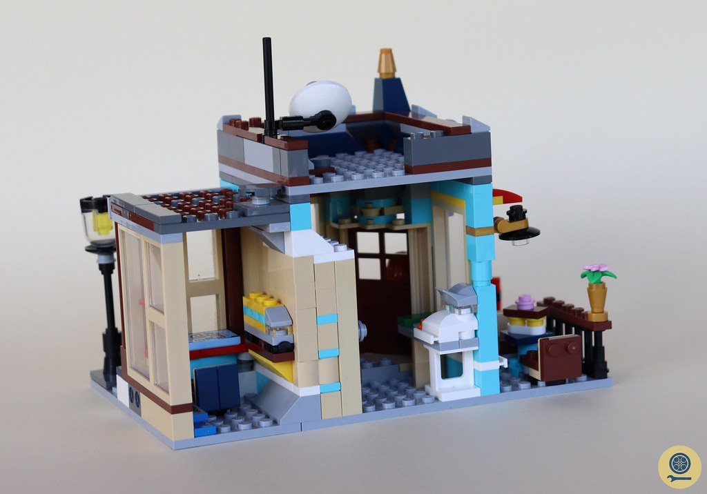 31105 Townhouse Toy Store 5
