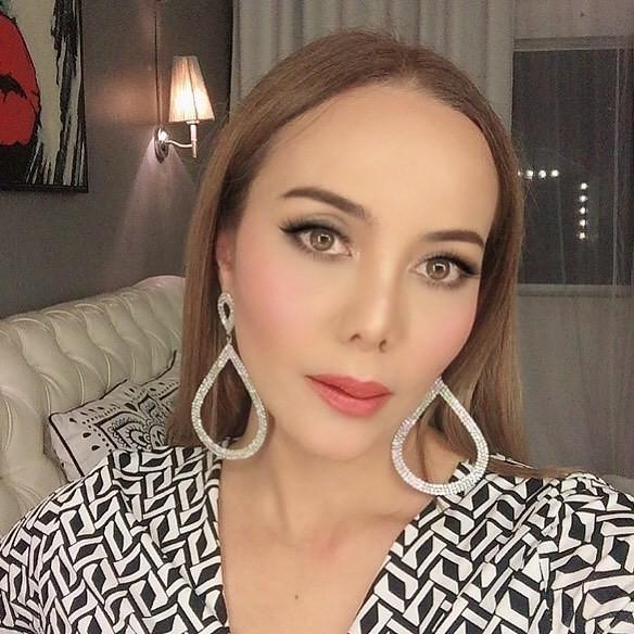 Zarina Anjoulie Tuntut Amyza Aznan & Emelda Rosemila Bayar Ganti Rugi RM4 Juta