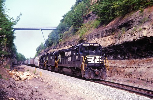 b328 norfolksouthern
