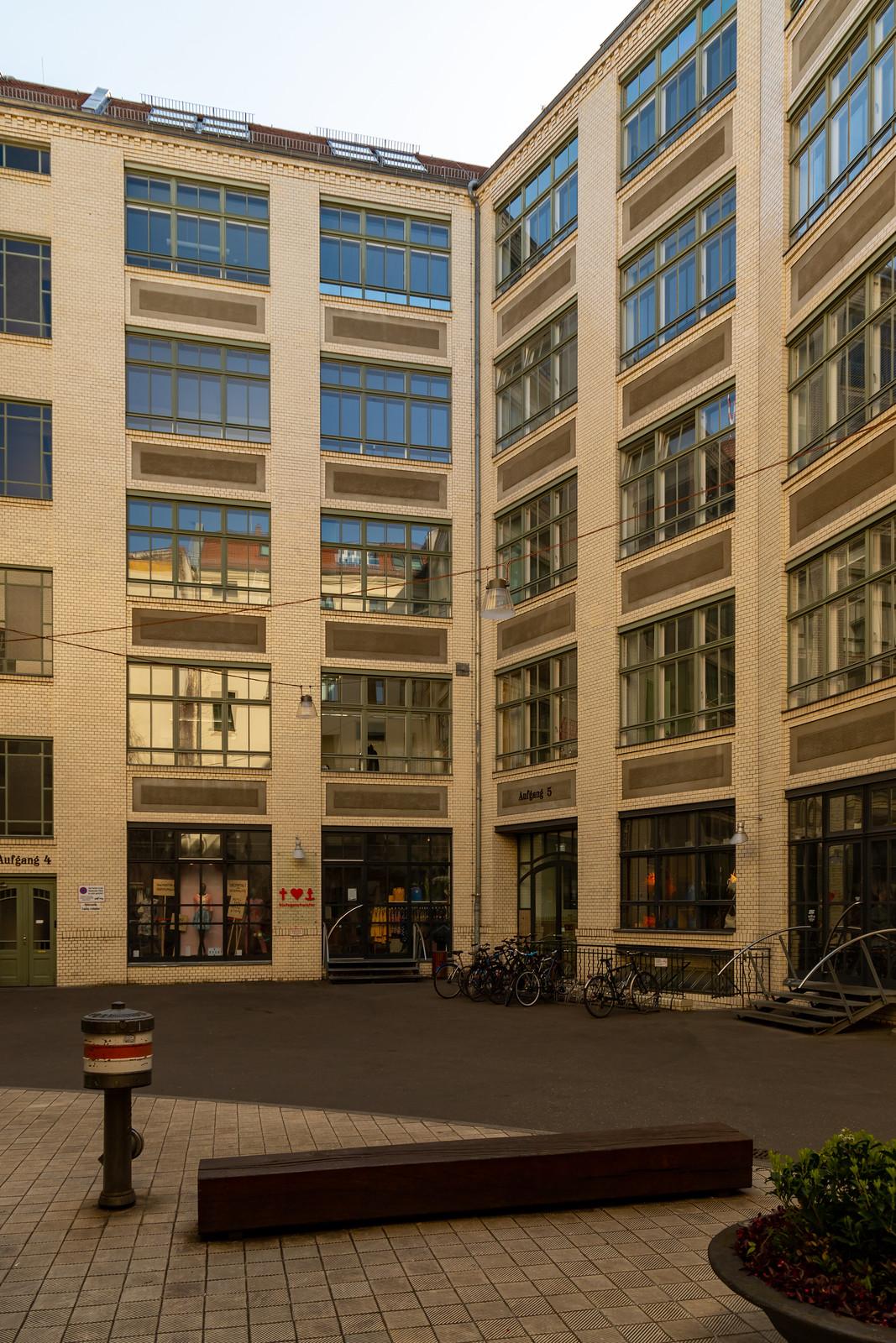 Hackesche Höfe - Theaterhof