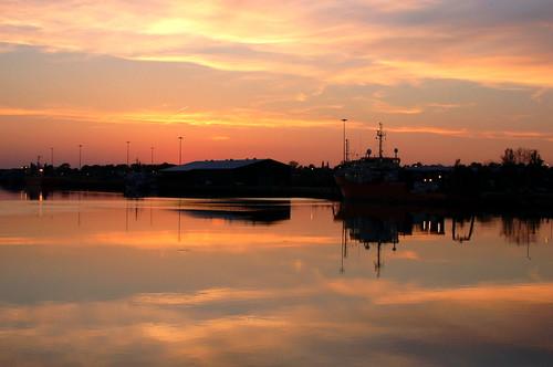suffolk sunset sunsetlight evening eveninglight reflection reflectionsinwater reflets clouds sky skies dusk