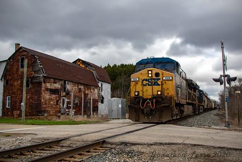 geac4400cw ge ac4400cw csx csxcw44ac csxt csx159 csxt159 train trains railroad railway railfan railfanning barn old vintage mccordsmi michigan csxq329