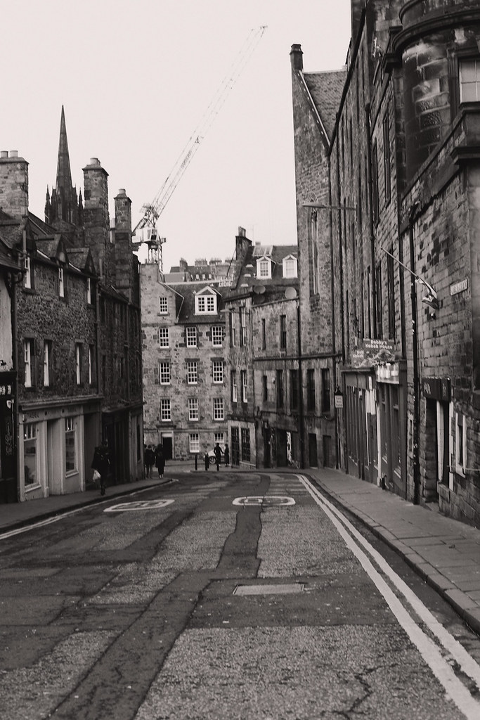 The Little Magpie Edinburgh Guide