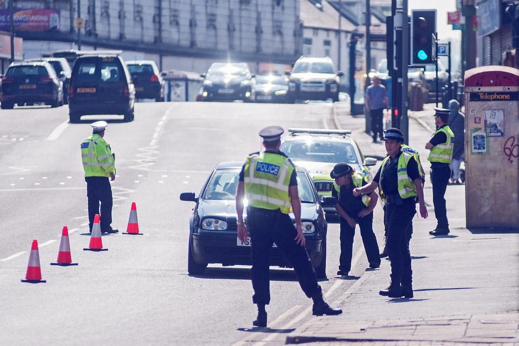Police stopping traffic - Coronavirus (COVID-19) Sheffield… | Flickr