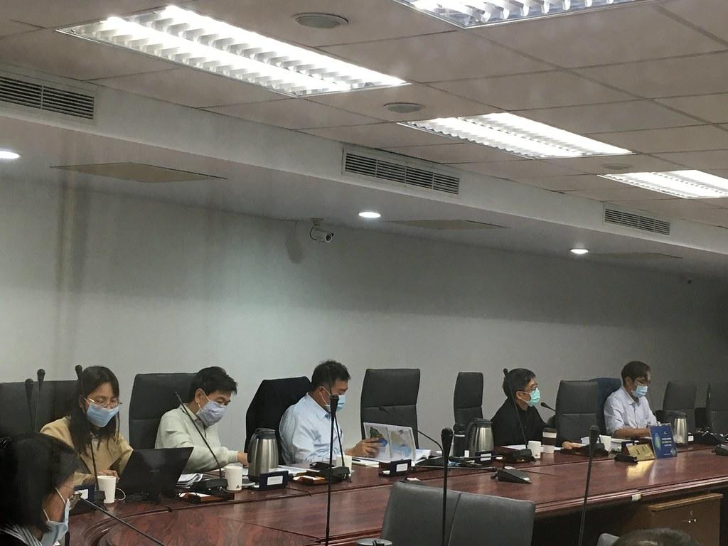 針對宜蘭農舍納管做法,審查委員有不同意見。攝影:鄭雅云